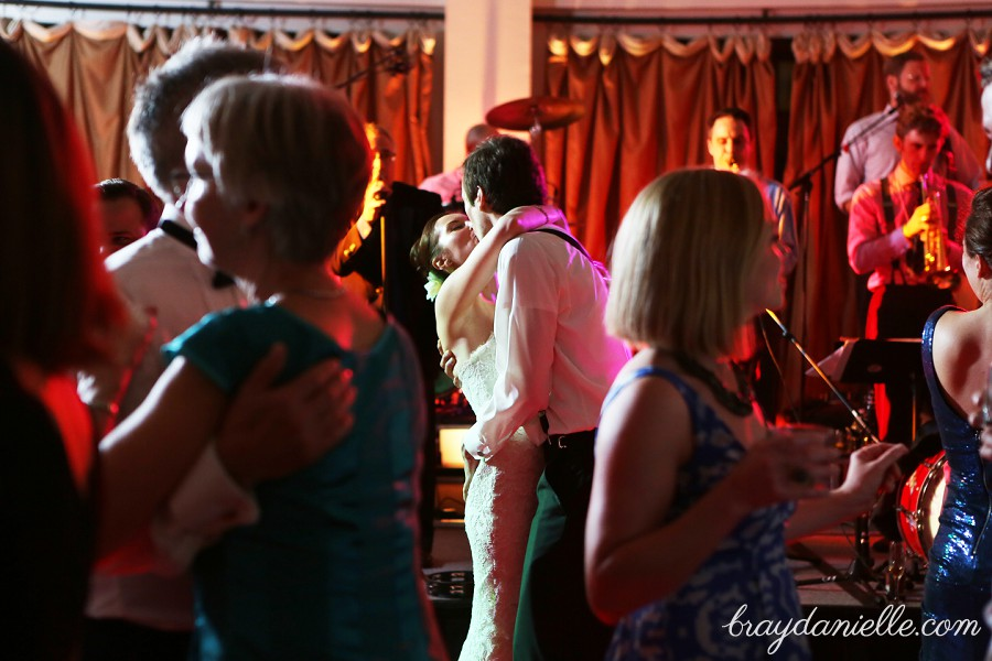 bride and groom kissing on dance floor, wedding by Bray Danielle Photography